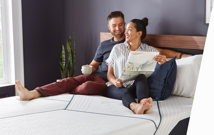 Serta Perfect Sleeper mattress with happy couple sleeping image
